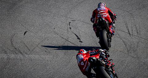 Dovizioso 和 Petrucci在上周捷克站分別排名第11和12名。而 Ducati 衛星車隊的 Johann Zarco 在這場比賽拿下第三名。