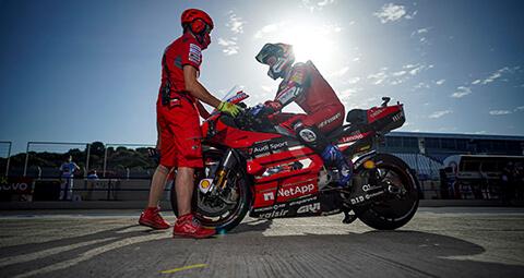 Andrea Dovizioso在上週於赫雷斯站排名第六,不幸地,Petrucci因發生事故導致無法完賽。